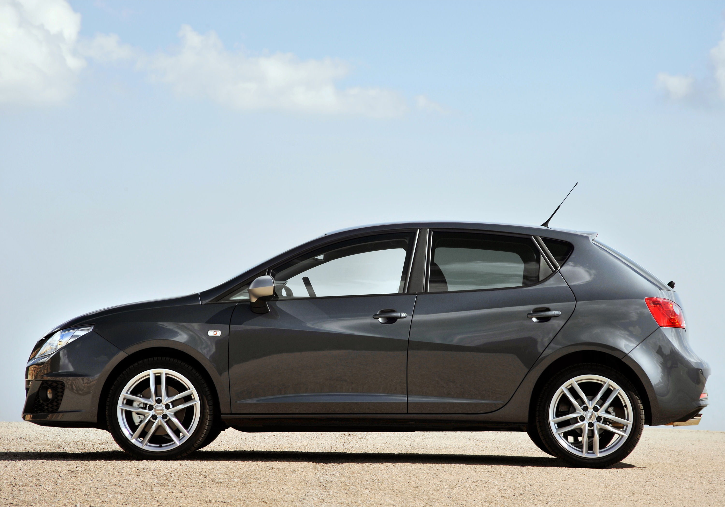 seat ibiza fr 2 0 tdi cr 143ps first drive petroleum vitae. Black Bedroom Furniture Sets. Home Design Ideas