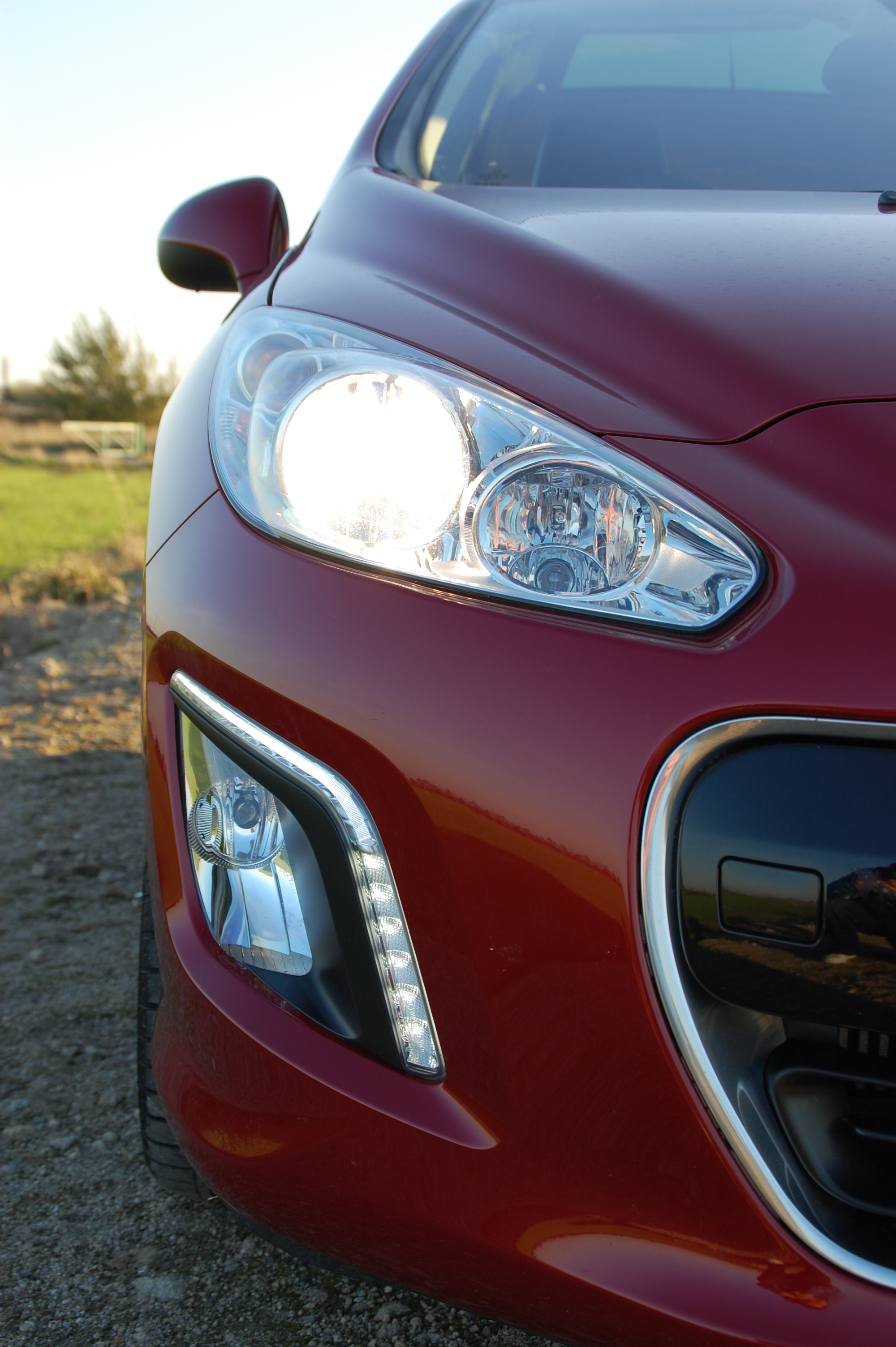 Peugeot 308 Allure e-HDi 112 Stop and Start Road Test ...