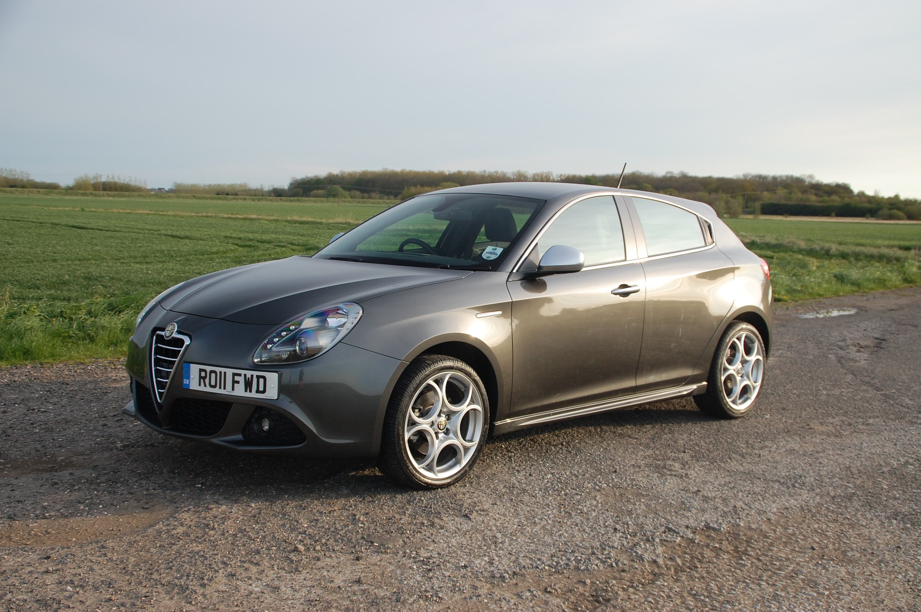 alfa romeo giulietta 2 0 jtdm 2 140bhp veloce road test. Black Bedroom Furniture Sets. Home Design Ideas