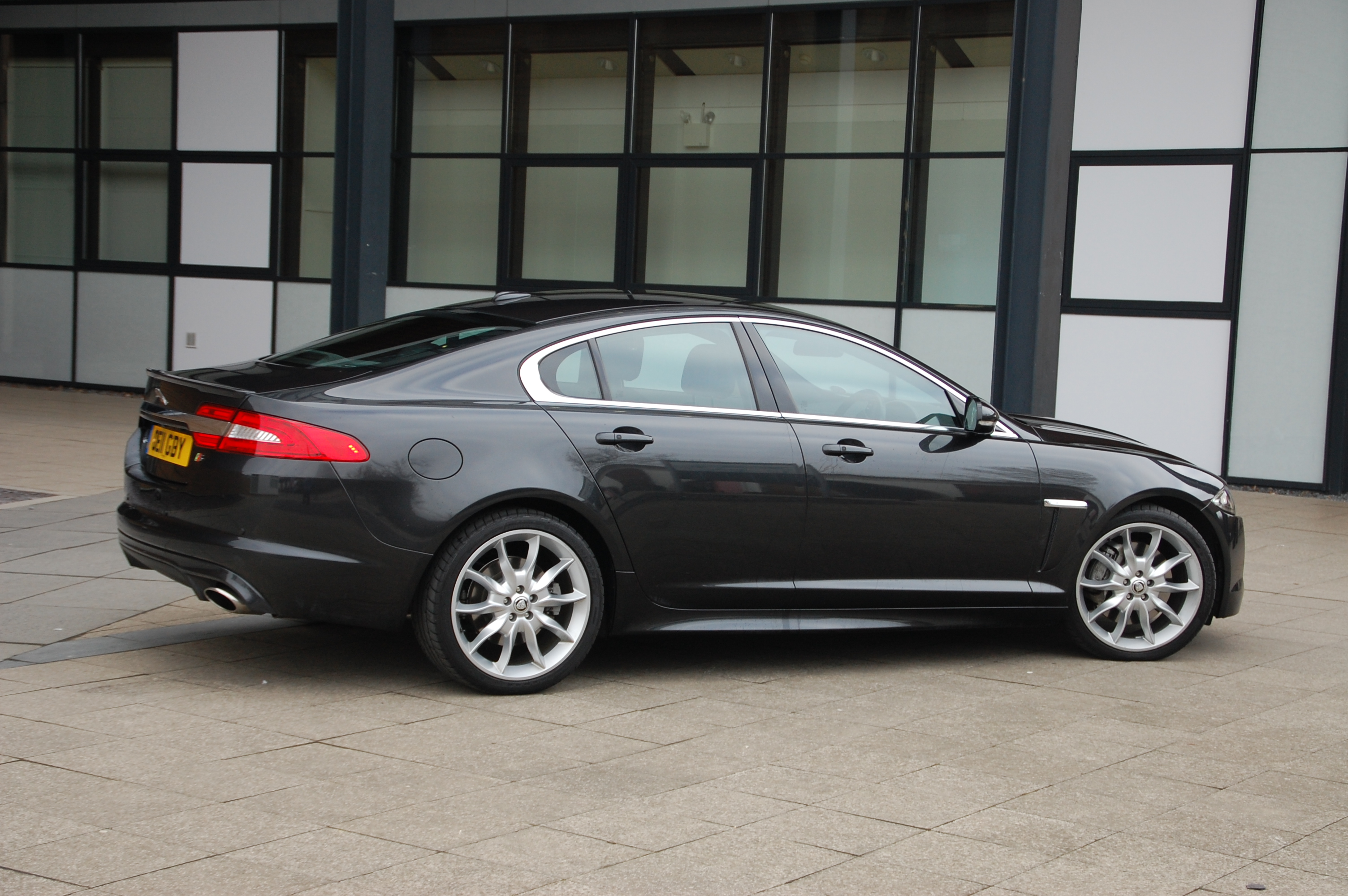 jaguar xf 3 0 v6 diesel s portfolio road test petroleum vitae. Black Bedroom Furniture Sets. Home Design Ideas