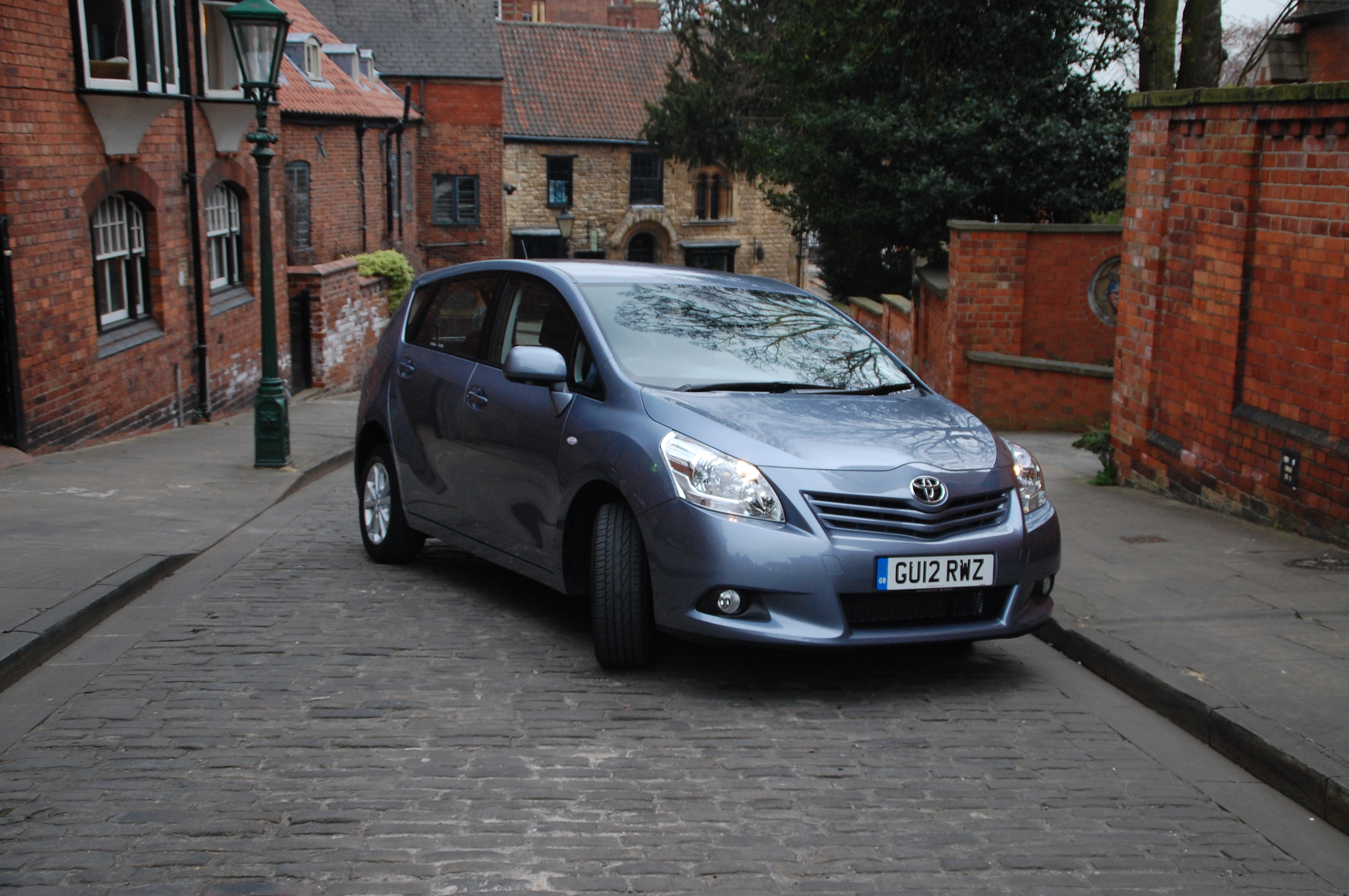 Toyota Verso Tr 20 D 4d Road Test Petroleum Vitae 2015 Interior Toyotas Seven Seat In Guise