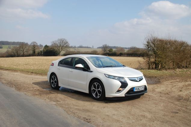Vauxhall's first hybrid, the Ampera, is the sister car to Chevrolet's ...
