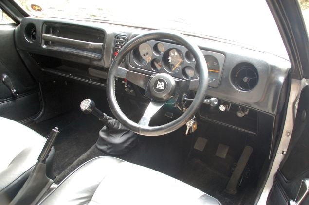 Dog-leg gearbox, offset and angled steering wheel but otherwise not unlike the donor Viva and Magnum in here