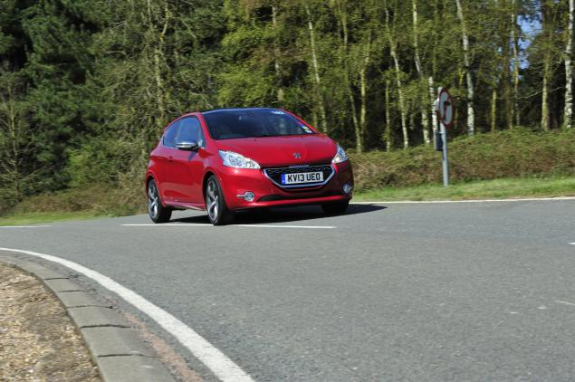 Peugeot 208 GTI - Back to the Future