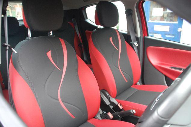 chrysler ypsilon 0 9 twinair black red road test petroleum vitae. Black Bedroom Furniture Sets. Home Design Ideas
