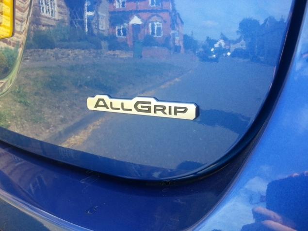 Suzuki SX4 S-Cross crossover SUV UK launch review Petroleum Vitae Keith Jones Oliver Hammond - ALLGRIP 4WD