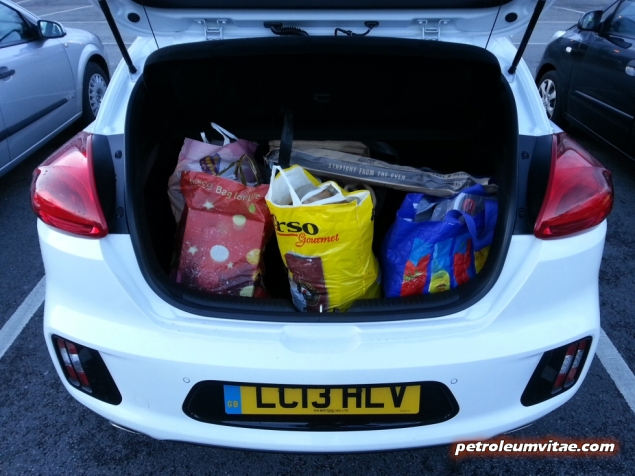 2014 Kia pro ceed GT road test review Keith Jones Oliver Hammond blogger Petroleum Vitae - taster photo - boot space