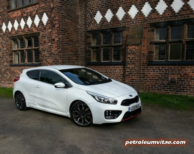 2014 Kia pro ceed GT road test review Keith Jones Oliver Hammond blogger Petroleum Vitae - taster photo - front34f