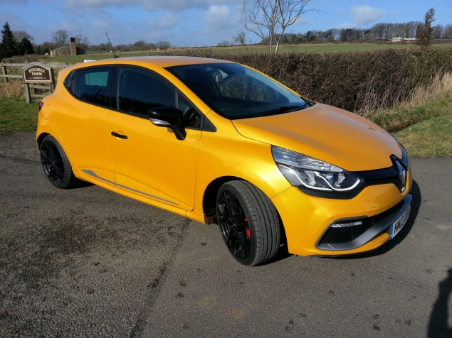 2014 Renaultsport Clio RS 200 EDC photo - side 3