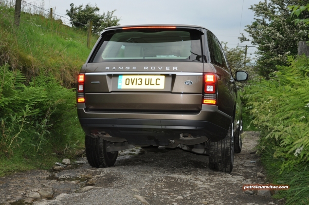 2014-05 New Range Rover SDV8 Autobiography diesel road test review photo - exterior - lily 3