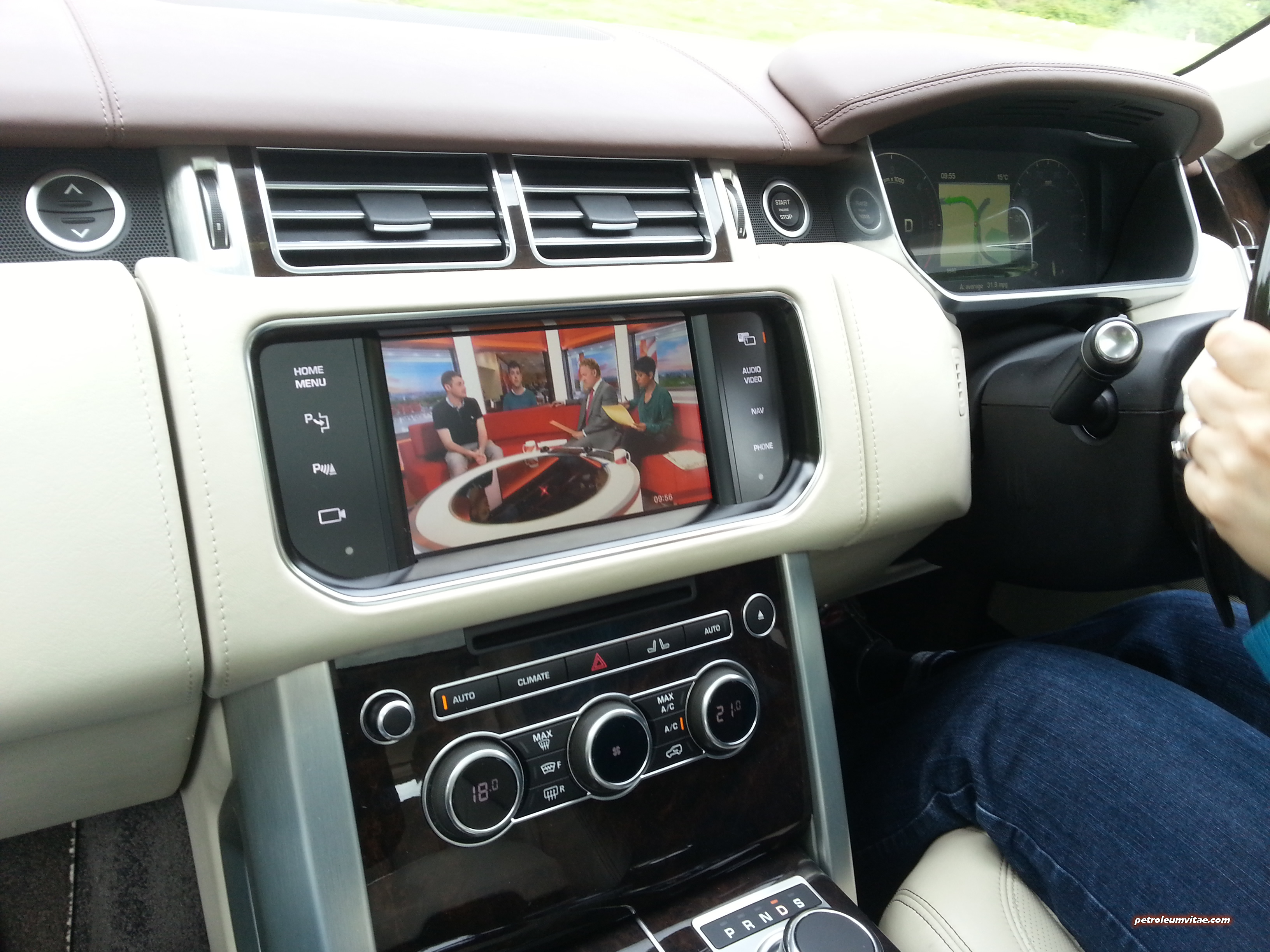 e day Six hundred and fifty miles A Range Rover SDV8