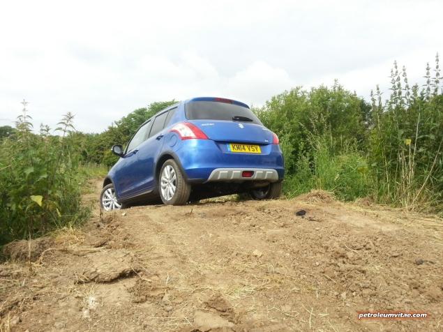 June 2014 Suzuki off road Yorkshire Outdoors Crathorne Swift 4x4 S-Cross Jimny Oliver Hammond Isabel Carter - photo - Swift 3