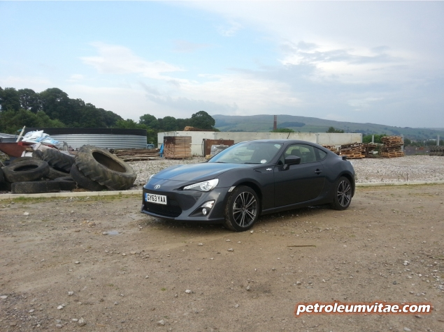 Toyota GT86 full road test review blogger Oliver Hammond Keith Petroleum Vitae photo - scrapyard