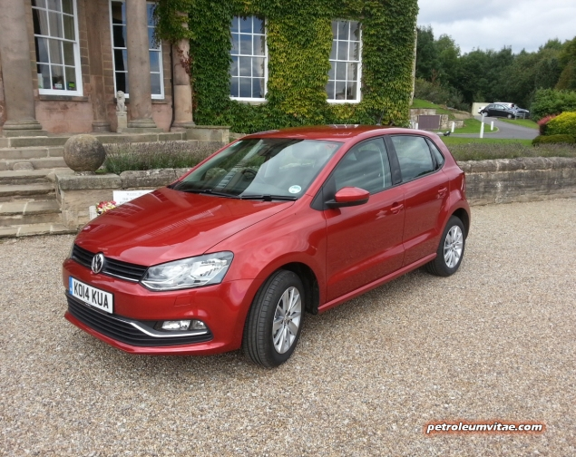 2014 August Volkswagen VW Tour media driving Wood Hall Wetherby first impressions road test drive review - photo - Polo 1.0 petrol venue front