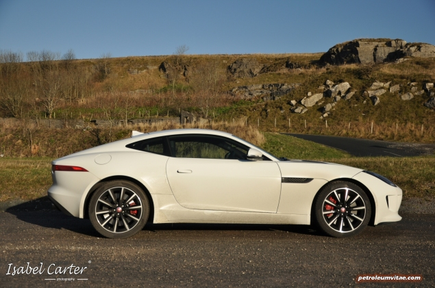 2014 3.0 litre V6 Supercharged Petrol 340PS Jaguar F-Type Coupe road test review blogger - photo - driven 5