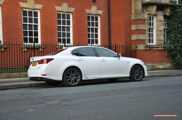 2014 Lexus GS300h-f F Sport road test review blogger - photo - rear 34c