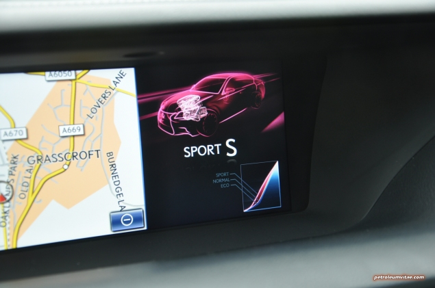 2014 Lexus GS300h-f F Sport road test review blogger - photo - Sport S mode