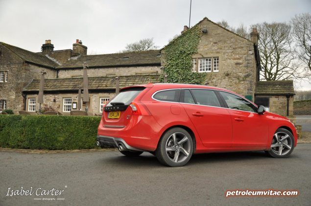 2014 Volvo V60 PHEV Plug-in Hybrid D6 AWD Geartronic R-Design Lux Nav full road test review report evaluation business private mpg sense cost price - Oliver Hammond blogger journalist writer - photo - rear pub