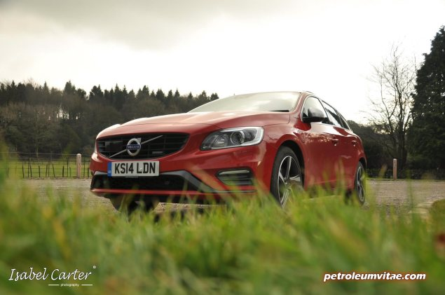 2014 Volvo V60 PHEV Plug-in Hybrid D6 AWD Geartronic R-Design Lux Nav full road test review report evaluation business private mpg sense cost price - Oliver Hammond blogger journalist writer - photo - front arty