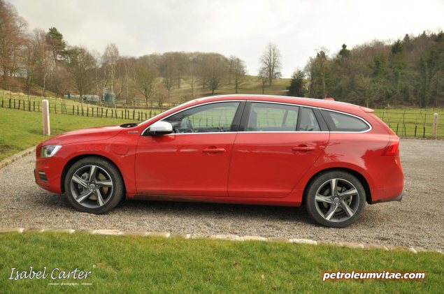 2014 Volvo V60 PHEV Plug-in Hybrid D6 AWD Geartronic R-Design Lux Nav full road test review report evaluation business private mpg sense cost price - Oliver Hammond blogger journalist writer - photo - side grass