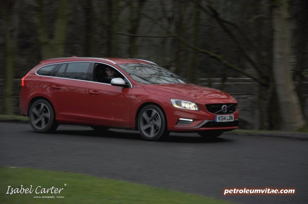 2014 Volvo V60 PHEV Plug-in Hybrid D6 AWD Geartronic R-Design Lux Nav full road test review report evaluation business private mpg sense cost price - Oliver Hammond blogger journalist writer - photo - approaching night 2