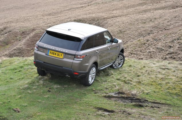 2015 Range Rover Sport SDV6 HSE Dynamic road test review report freelance motoring automotive journalist Oliver Hammond Manchester blogger wallpaper photo - rear 34b