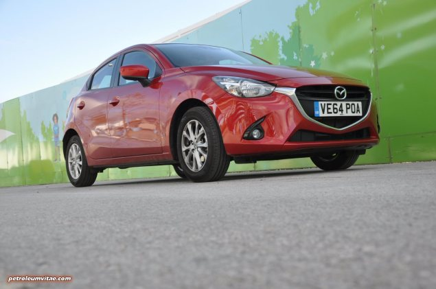 All-new 2015 Mazda2 1.5 90PS SE-L Nav full road test review evaluation report, freelance motoring blogger automotive journalist Oliver Hammond, wallpaper gallery photo - front 34