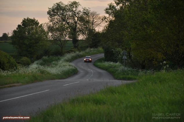 All-new 2015 Mazda2 1.5 90PS SE-L Nav full road test review evaluation report, freelance motoring blogger automotive journalist Oliver Hammond, wallpaper gallery photo - front lane