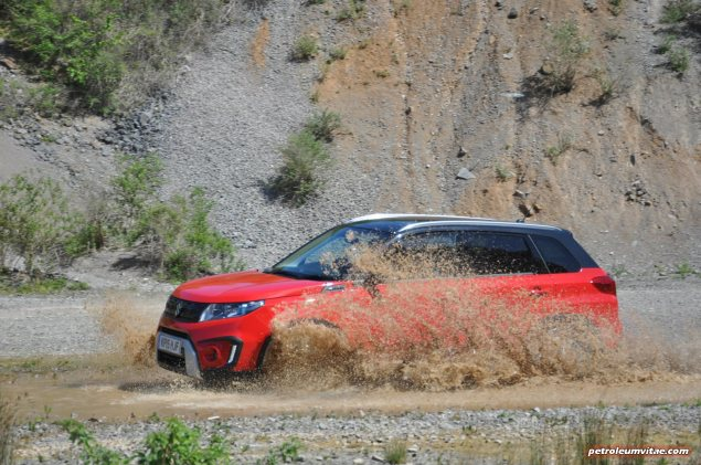 New 2015 Suzuki Vitara compact small SUV first drive UK review report blogger journalist automotive motoring writer wallpaper photos diesel petrol spec price rivals photo 011