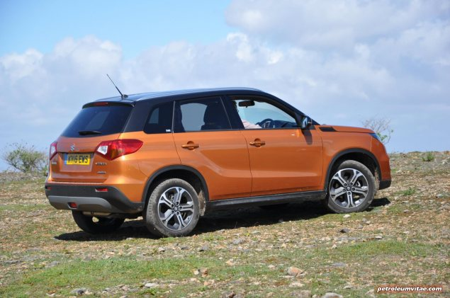 New 2015 Suzuki Vitara compact small SUV first drive UK review report blogger journalist automotive motoring writer wallpaper photos diesel petrol spec price rivals photo 08