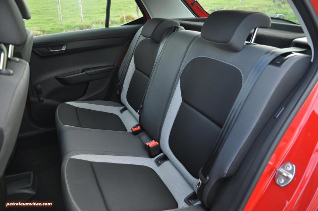 2015 new third gen Skoda Fabia hatchback 1.4 TDI SE full road test review evaluation motoring journalist Oliver Hammond - wallpaper photo - back seats