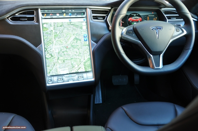 Tesla Model S 85 rear full road test review freelance journalist blogger Oliver Hammond - wallpaper image gallery - interior dashboard press image