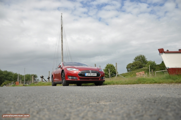 Tesla Model S 85 rear full road test review freelance journalist blogger Oliver Hammond - wallpaper image gallery - estuary front arty