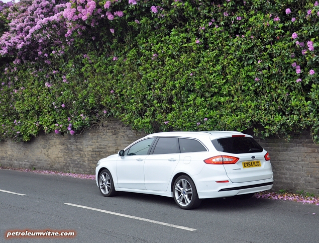All-new 2015 Mk5 Mark V Ford Mondeo estate Titanium 2.0 Duratorq road test review blog journalist writer Oliver Hammond photos images handling engines litres practical boot rivals Mazda Skoda Passat 03
