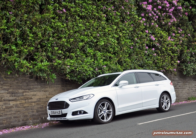 All-new 2015 Mk5 Mark V Ford Mondeo estate Titanium 2.0 Duratorq road test review blog journalist writer Oliver Hammond photos images handling engines litres practical boot rivals Mazda Skoda Passat 04