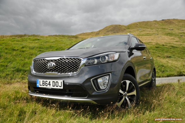 2015 new Kia Sorento KX-2 road test review, Oliver Hammond, motoring journalist blogger - price, engine, gearbox, size - wallpaper image, static3