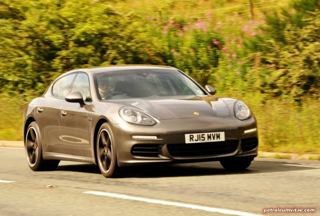2015 Porsche Panamera Diesel road test review comparison journalist blogger Oliver Hammond magazine - wallpaper photo - driving Seb