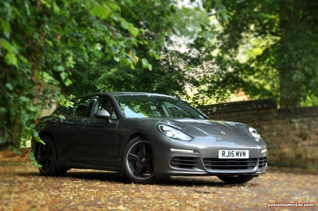 2015 Porsche Panamera Diesel road test review comparison journalist blogger Oliver Hammond magazine - wallpaper photo - front 34