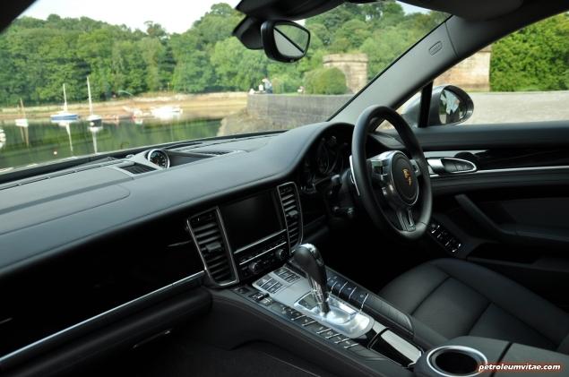 2015 porsche panamera diesel road test review comparison journalist blogger oliver hammond magazine wallpaper photo