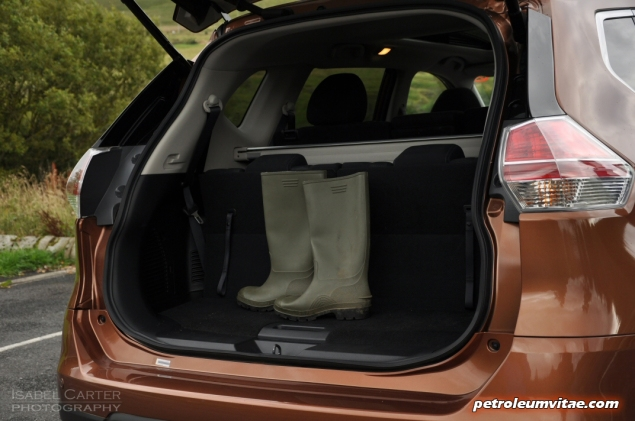 2015 Nissan X-Trail Tekna dCi 130 2WD diesel manual road test review comparison wallpaper photo 6