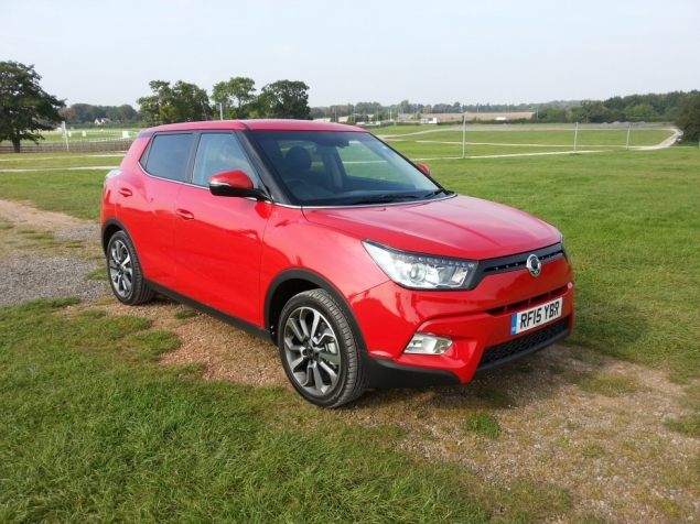SsangYong Tivoli diesel manual ELX first drive review, SMMT North 2015 - photo 2