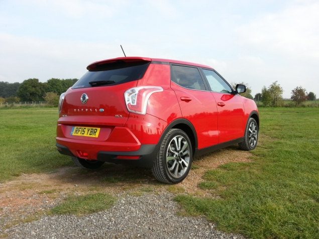 SsangYong Tivoli diesel manual ELX first drive review, SMMT North 2015 - photo 4