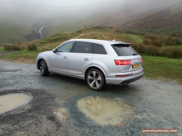 New Audi Q7 3.0 TDI quattro S line 272 PS tiptronic road test review photo wallpaper - exterior 2