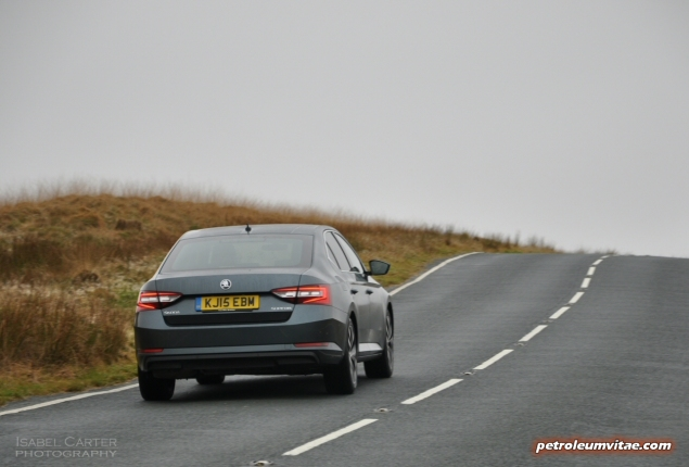 New 2015 Skoda Superb 2.0 SE L Executive hatchback road test review, Oliver Hammond - rear photo