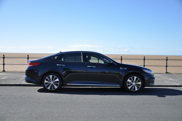 All-new Kia Optima 4 DCT road test review Oliver Hammond - side 2