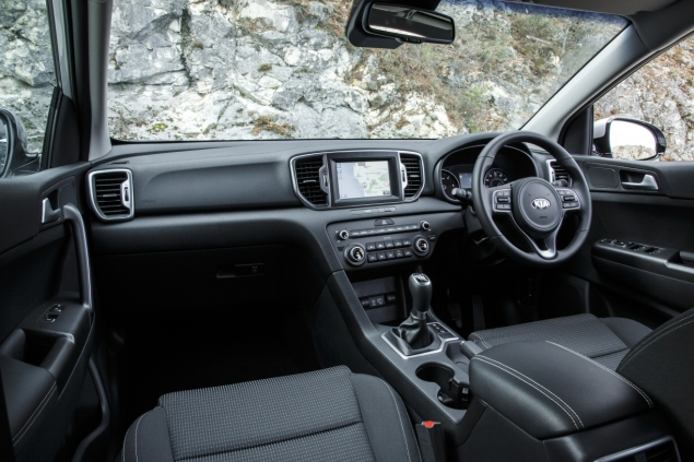 New Kia Sportage crossover - road test review - wallpaper gallery photo - interior dashboard
