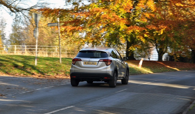 Road test review of new 2016 Honda HR-V 1.6 i-DTEC EX manual - rear2
