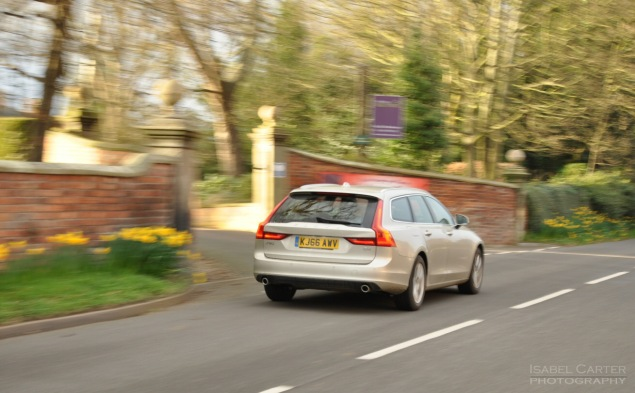 Oliver Hammond road test review Volvo V90 D4 Inscription blogger copywriter Cheshire Crewe Petroleum Vitae wallpaper 02