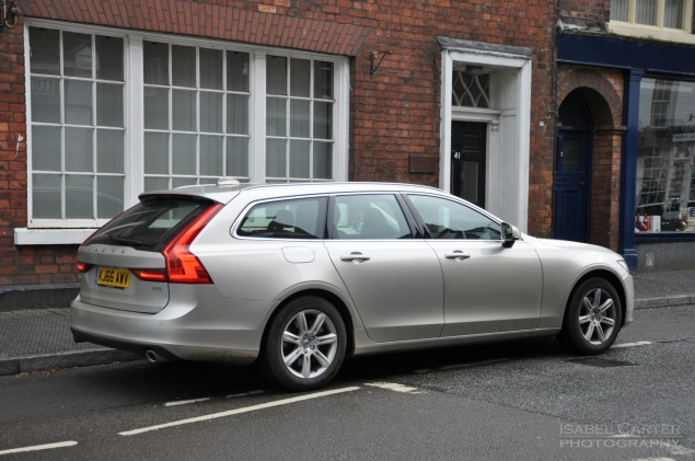 Oliver Hammond road test review Volvo V90 D4 Inscription blogger copywriter Cheshire Crewe Petroleum Vitae wallpaper 03