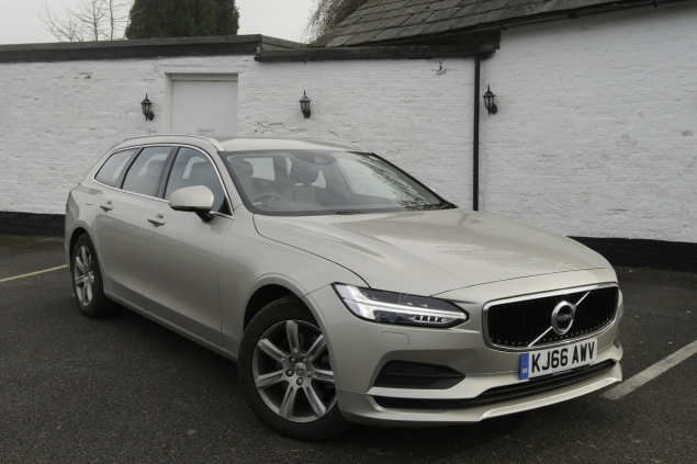 Oliver Hammond road test review Volvo V90 D4 Inscription blogger copywriter Cheshire Crewe Petroleum Vitae wallpaper front static